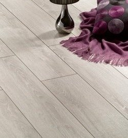Solid Plus Italian  Oak AC6 12mm